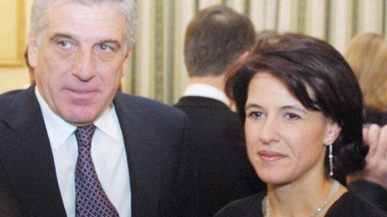 Στη φυλακή ο Γιάννος Παπαντωνίου και η σύζυγός του