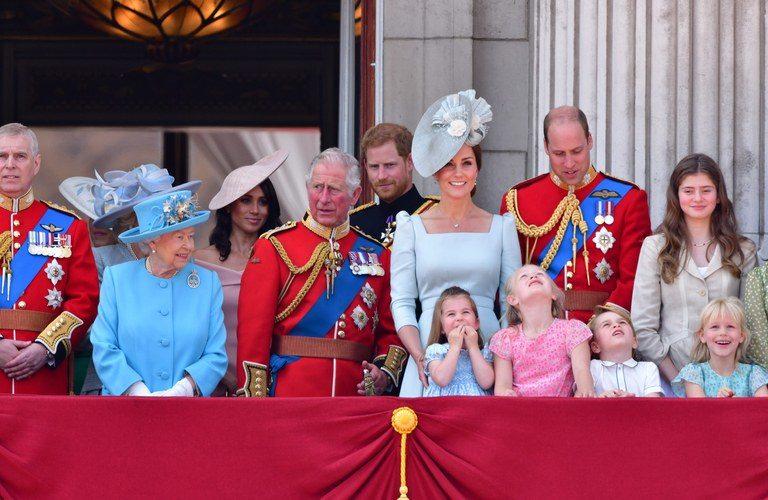 Αγγλία: Γιατί η βασιλική οικογένεια δεν φορά ποτέ πορτοκαλί;