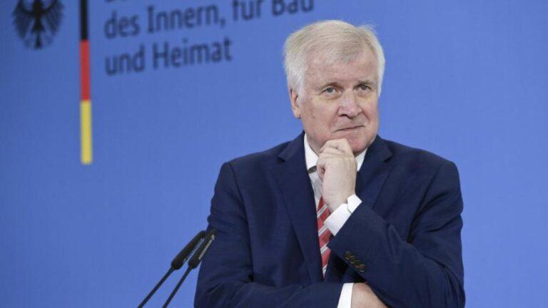 Ζεεχόφερ: «Οι Βαυαροί κυβέρνησαν την Ελλάδα για ένα διάστημα. Ισως θα ήταν καλύτερο να μην ήταν προσωρινό»
