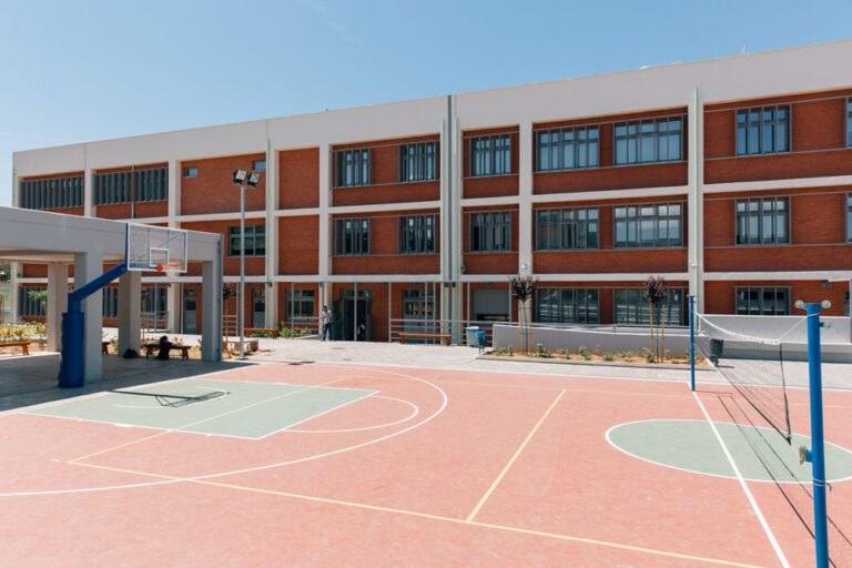 Η γραφειοκρατία στερεί το σχολείο από τρία παιδιά στην Ηλεία
