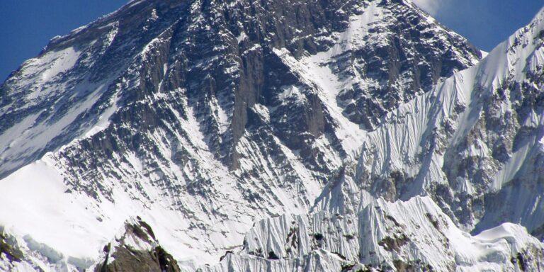 Πέθαναν μέλη ορειβατικής αποστολής από χιονοθύελλα στο Νεπάλ