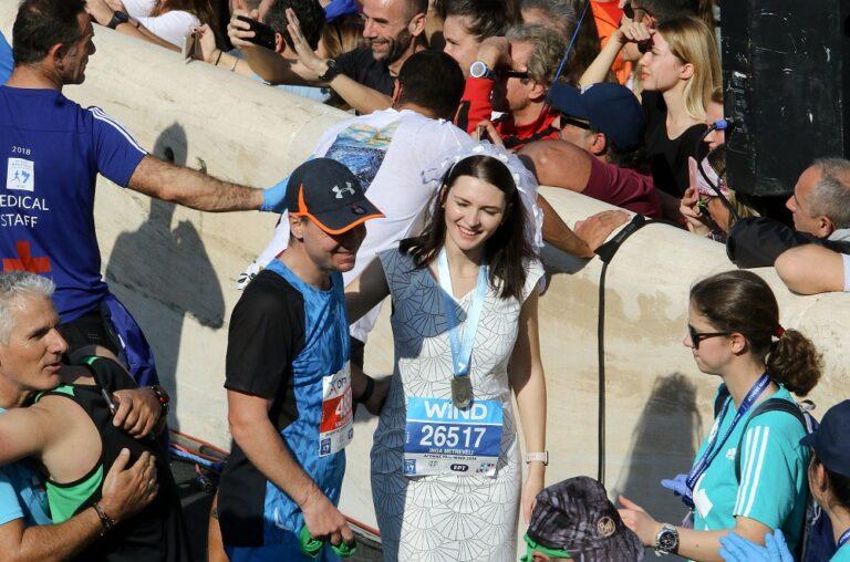 Αυθεντικός Μαραθώνιος: Πρώτα έτρεξαν, μετά αντάλλαξαν δαχτυλίδια (pic)