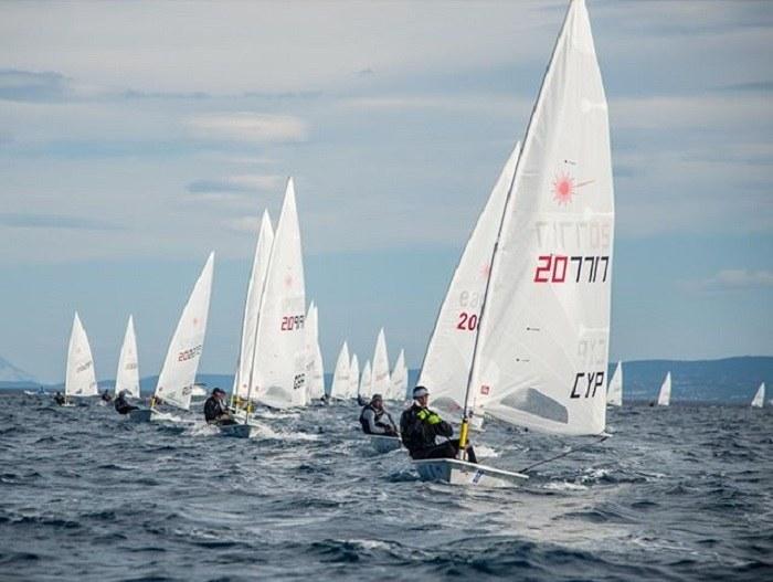 Ιστιοπλοΐα: Κύπριος αθλητής έδωσε το σκάφος του σε Τούρκο που διεκδικεί μετάλλιο