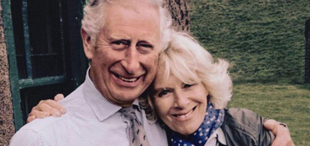 Ο αιώνιος διάδοχος Κάρολος γίνεται 70 και όλοι έχουν έναν καλό λόγο