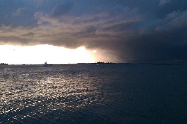 Καιρός:Χειμωνιάτικο το σκηνικό του καιρού με βροχές και καταιγίδες