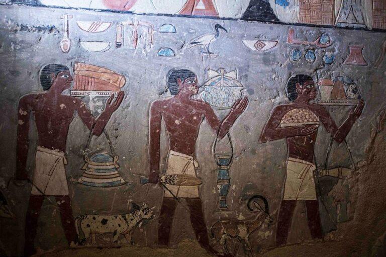 Αίγυπτος: Ανακαλύφθηκε τάφος 4.400 ετών (pics)