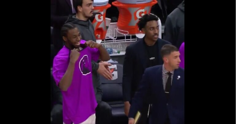 NBA: Ο Αντριου Γουίγκινς άφησε τη φανέλα του (video)