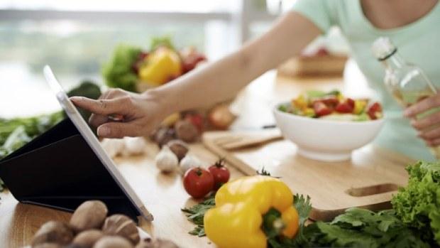 Δέκα φαγητά που τρώμε λάθος (vid)
