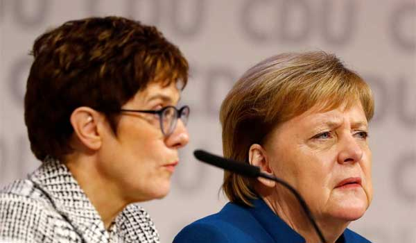 Αυτή είναι η νέα σιδηρά κυρία της Γερμανίας που θα αντικαταστήσει τη Μέρκελ
