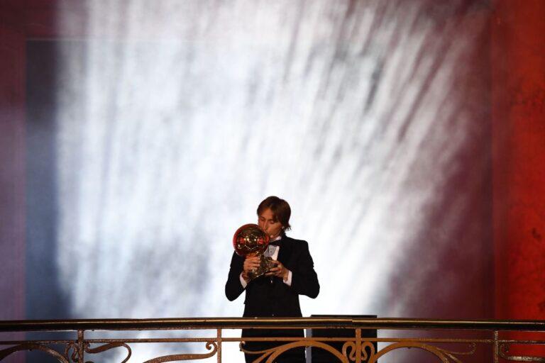 Μόντριτς: «Για τον Τσάβι, τον Ινιέστα, το ποδόσφαιρο…»