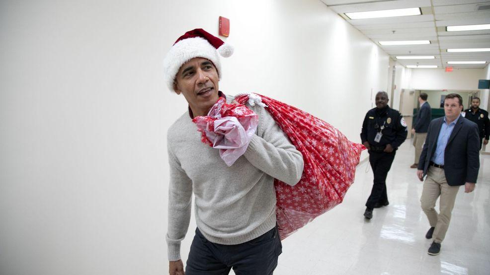 Άγιος Βασίλης ντύθηκε ο Ομπάμα (vid)