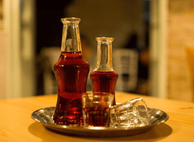 Ρακόμελο: Η Ευρώπη… υποκλίνεται στο ελληνικό ποτό του χειμώνα