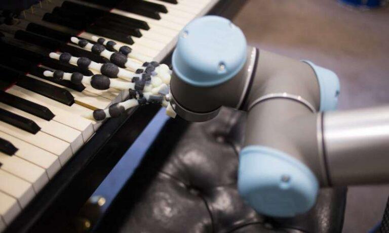 Το ρομπότ που παίζει πιάνο (vid)