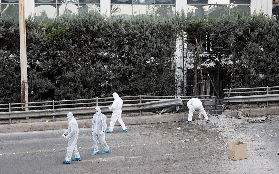 Βόμβα στον ΣΚΑΪ: Οι κάμερες «έπιασαν»τους δράστες- Αναζητούν την γιάφκα και το γκαράζ (vid)
