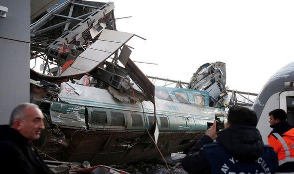 Άγκυρα: Εκτροχιασμός τρένου -Πληροφορίες κάνουν λόγο για νεκρούς(pics)