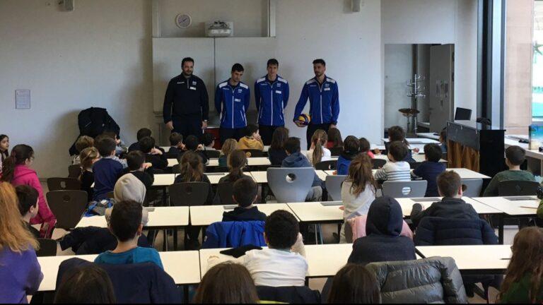 Βόλεϊ: Η Εθνική ανδρών στους Έλληνες του Ευρωπαϊκού σχολείου στο Λουξεμβούργο (pic)