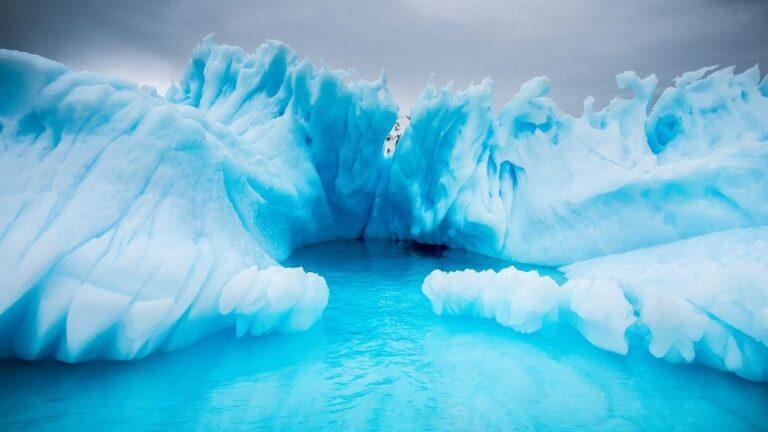 Τι κρύβεται κάτω από τους πάγους της Ανταρκτικής (vid)