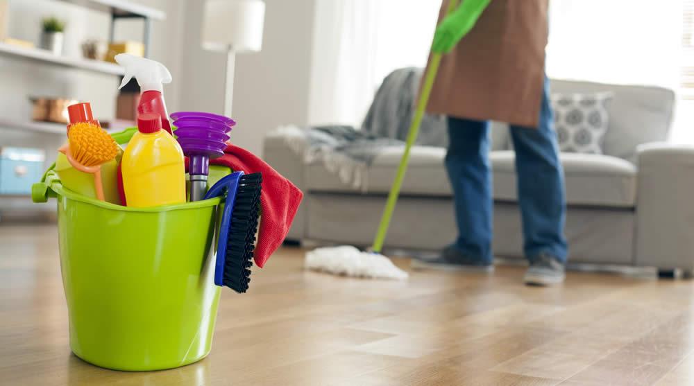 Αποφάσισαν να καθαρίσουν το σπίτι τους κι έγιναν εκατομμυριούχοι