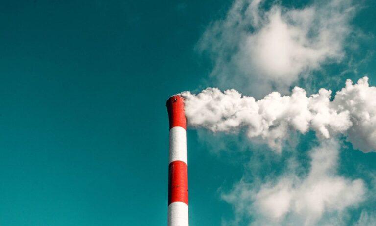 Η απλή – αλλά δύσκολη- λύση για να σταματήσει η κλιματική αλλαγή