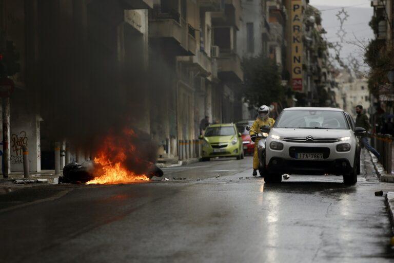 Άγνωστοι μαχαίρωσαν άνδρα στο κέντρο της Αθήνας