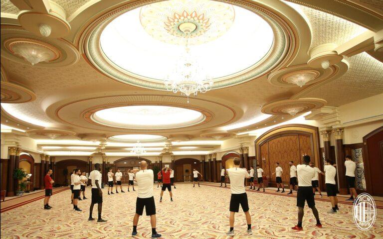 Μίλαν: Προπόνηση σε… Ballroom (pics)