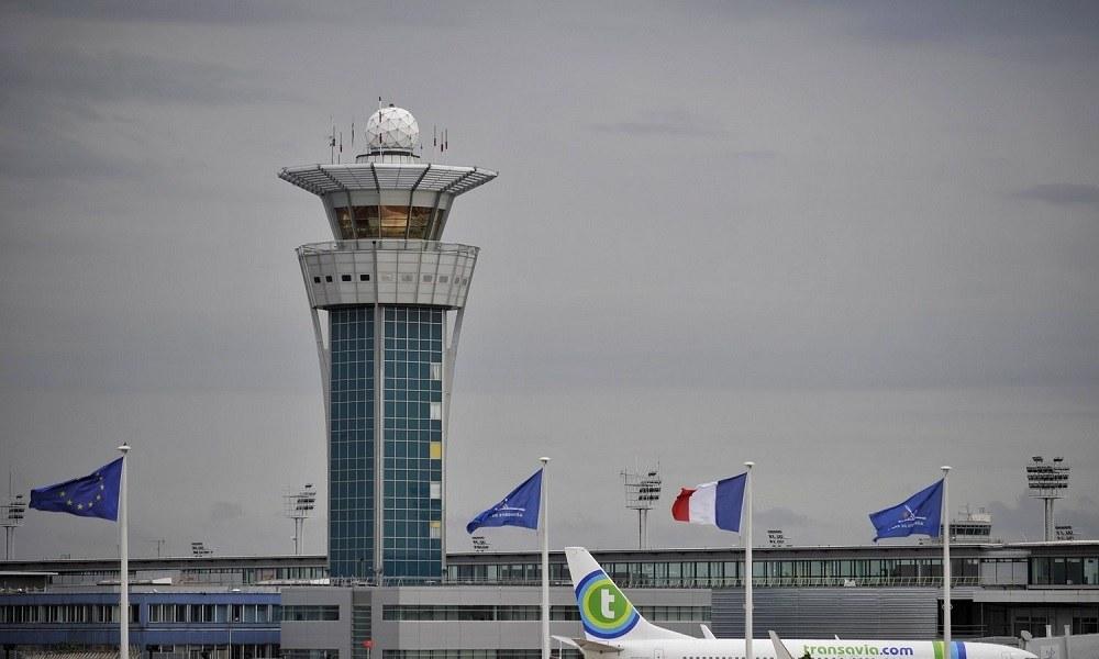 Ένα ζευγάρι παπούτσια έσπειρε τον πανικό σε αεροδρόμιο του Παρισιού