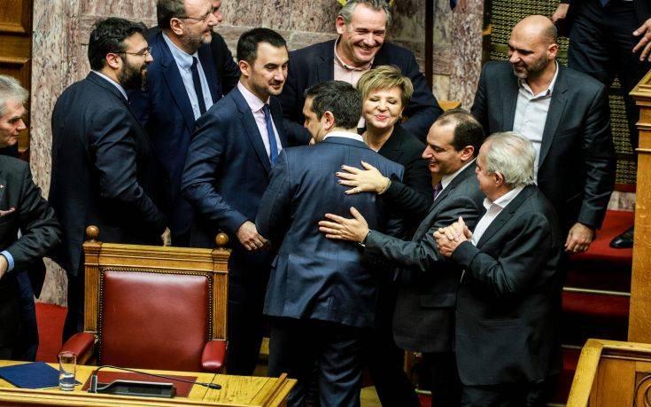 Τα ΜΜΕ της πΓΔΜ για την ψήφο εμπιστοσύνης στην ελληνική κυβέρνηση