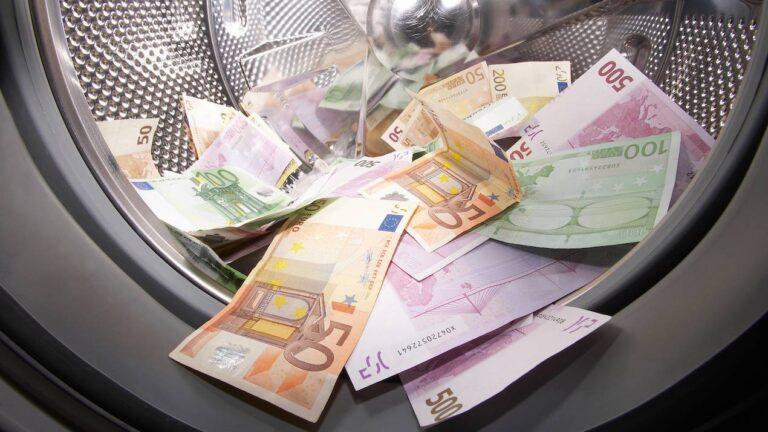 8.500 υποθέσεις ύποπτες για ξέπλυμα «μαύρου» χρήματος σε μια διετία