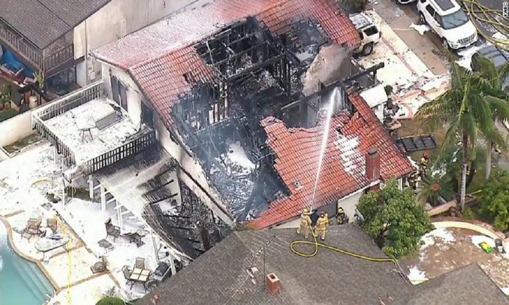 Πέντε νεκροί από πτώση αεροπλάνου σε σπίτι στη Νότια Καλιφόρνια