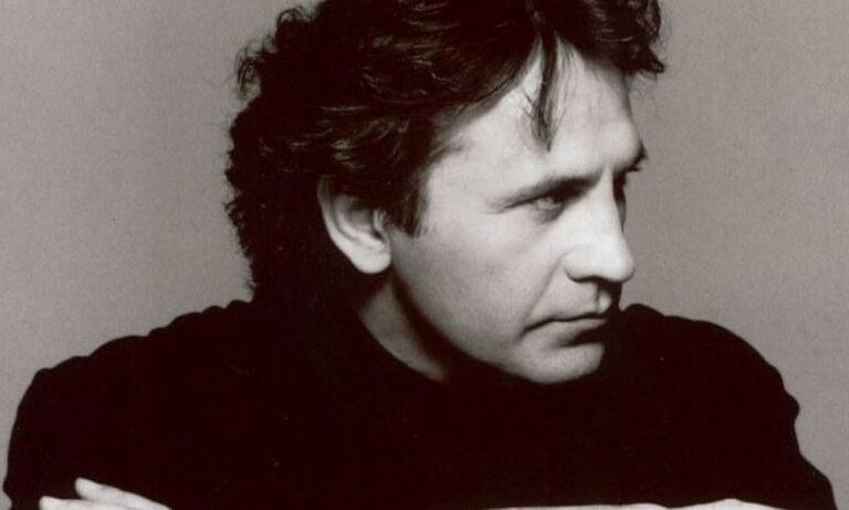 Σπάνια εκπομπή για τον Γιώργο Νταλάρα απ' το 2002