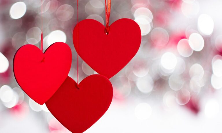 H Google γιορτάζει την Ημέρα των Ερωτευμένων με ένα Doodle (pics)