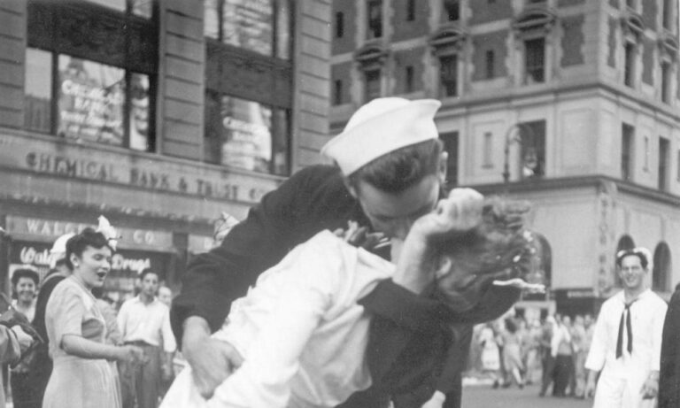 Πέθανε ο ναύτης του φιλιού της Τάιμς Σκουέρ
