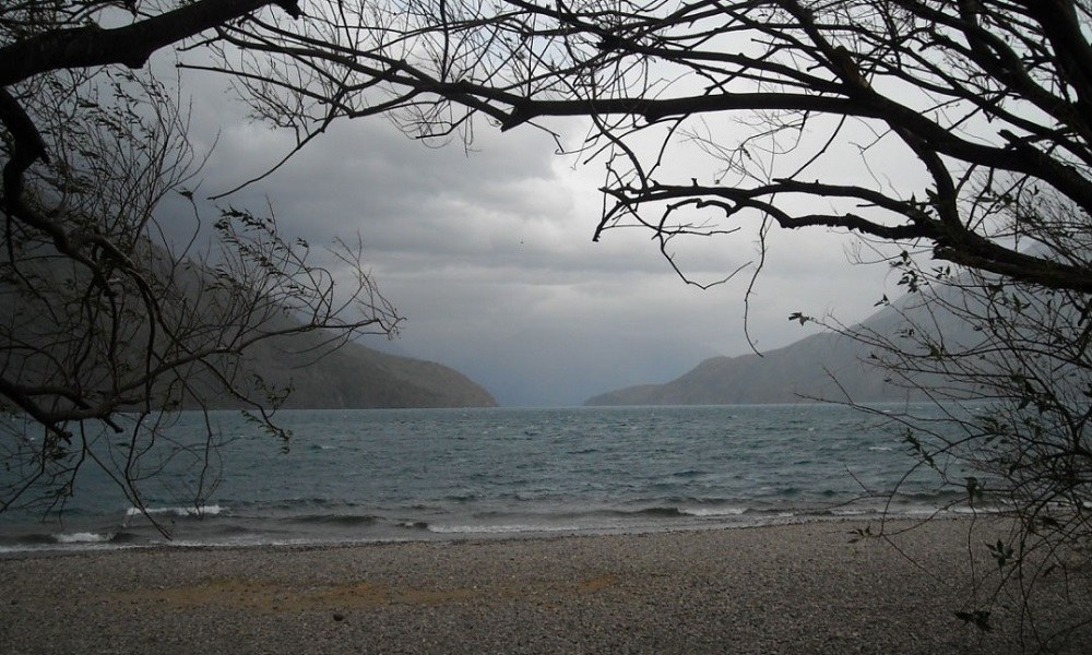 Η μικροσκοπική λίμνη που είναι η πιο τρομακτική στη Γη (vid)