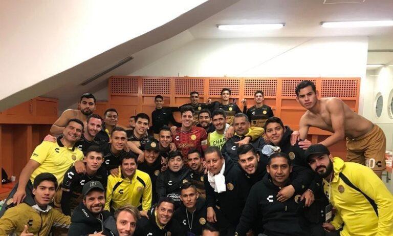 Μαραντόνα: Το σόου  μετά την πρώτη νίκη της ομάδας του (vid)