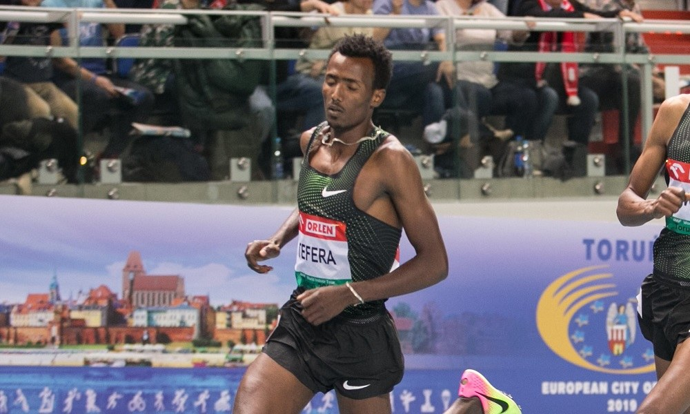 «Έπεσε» παγκόσμιο ρεκόρ 22 ετών στο Μπέρμιγχαμ (vid)