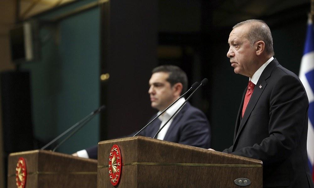 Spiegel: Σχέση συμφέροντος συνδέει Τσίπρα – Ερντογάν