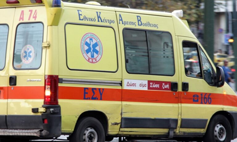 Γυναίκα έπεσε στο κενό από πολυκατοικία στο Παγκράτι