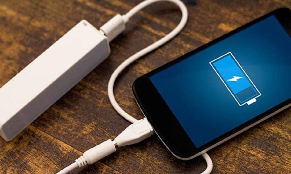 Τέλος οι μπαταρίες στα κινητά– Δείτε με τι θα αντικατασταθούν