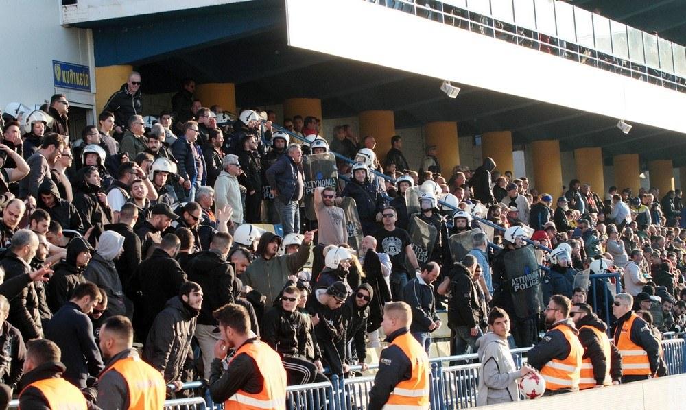 Αποτέλεσμα εικόνας για Μπλόκο της ΕΛ.ΑΣ. σε οπαδούς του ΠΑΟΚ έξω από το Αγρίνιο