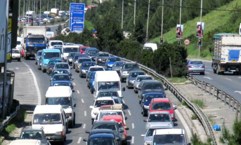 Θεσσαλονίκη: Φρικτό τροχαίο μοτοσικλετιστή (vid)