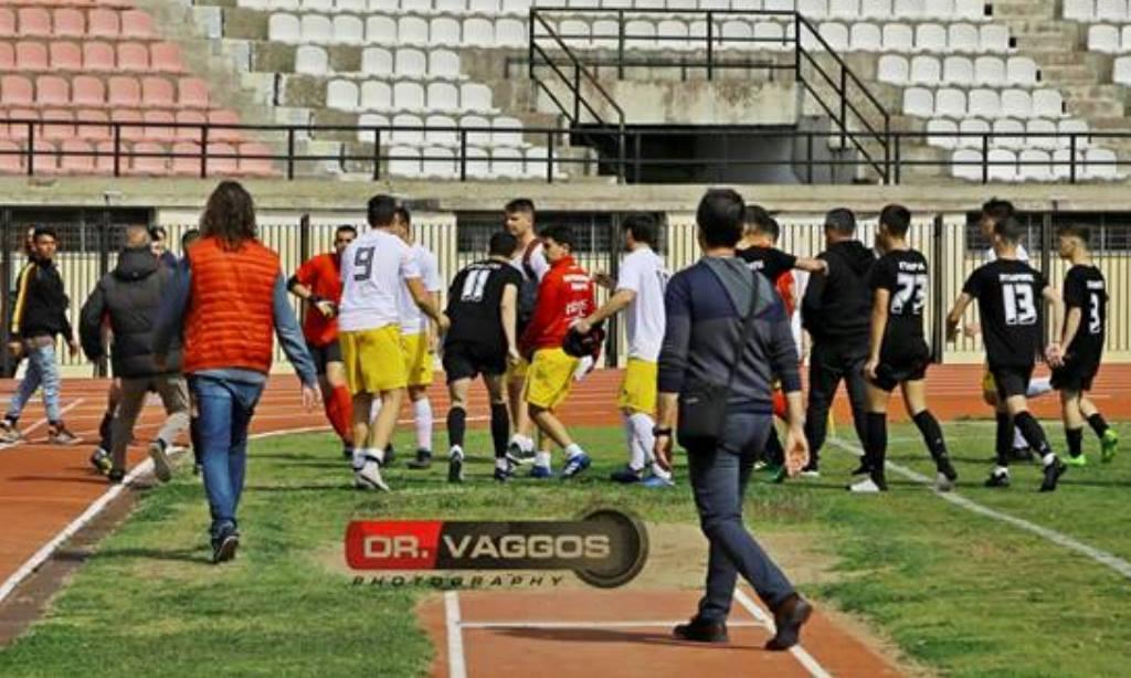 Σοκ: Πολύ ξύλο σε ποδοσφαιρικό ματς λυκείων στο νομό Ηλείας