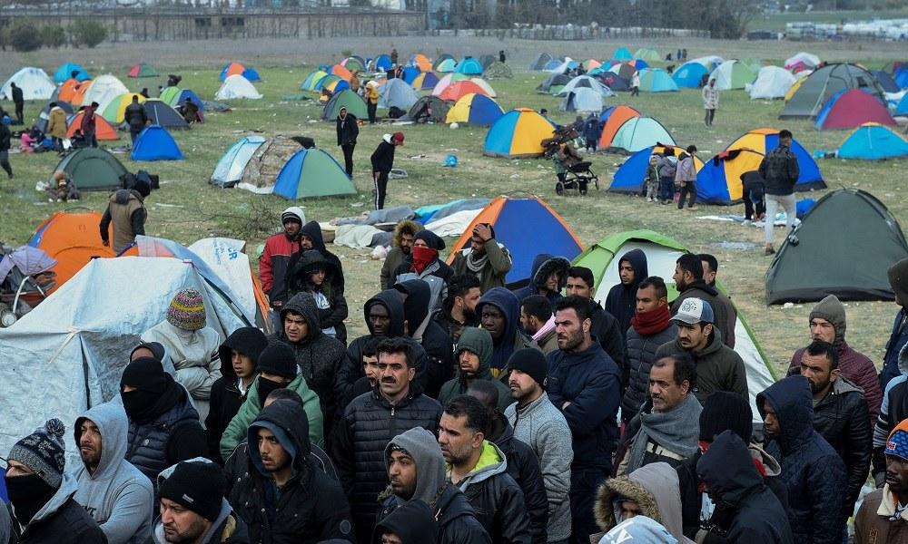 Διαβατά: Νέες συγκρούσεις ανάμεσα σε πρόσφυγες και ΜΑΤ (videos)