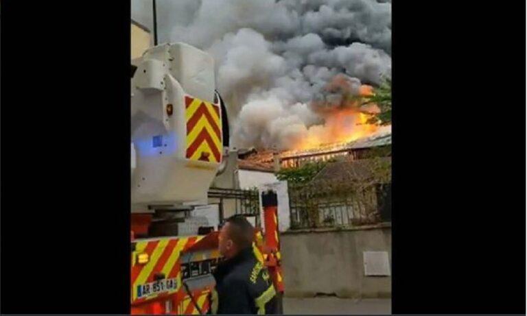 Γαλλία: Οι Βερσαλλίες φλέγονται!