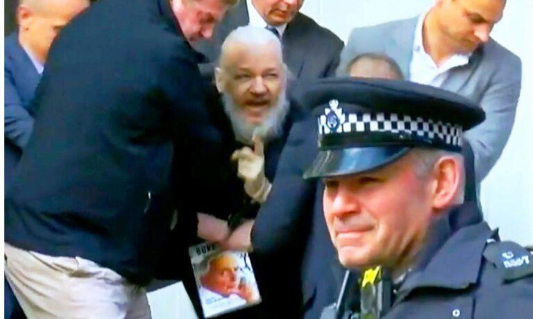 Τζούλιαν Ασάνζ: Συνελήφθη o κύριος... WikiLeaks! (video)