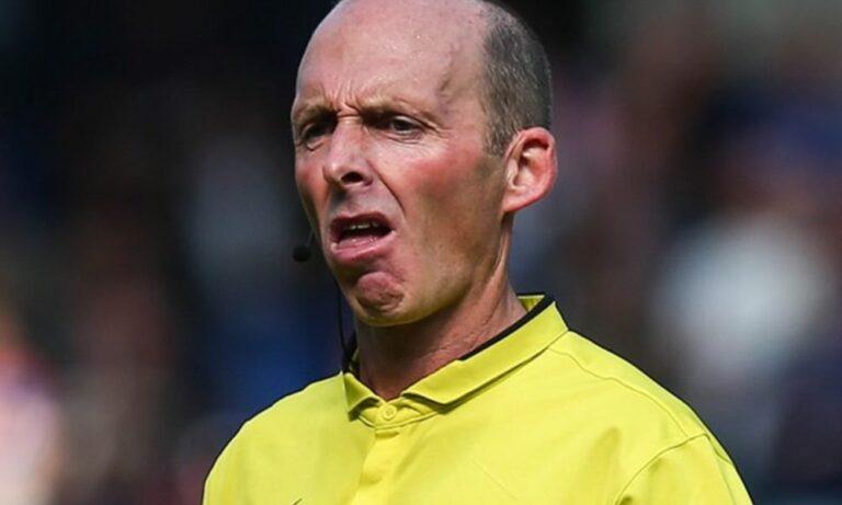 Premier League: Το ασύλληπτο… κόκκινο ρεκόρ του διαιτητή Μάικ Ντιν