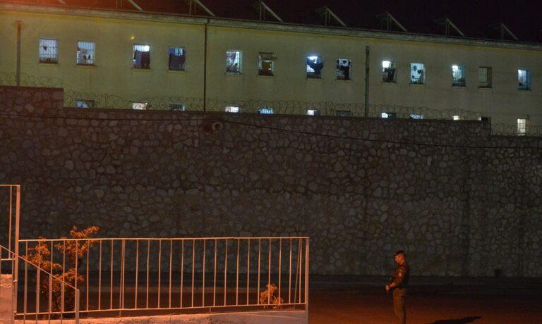 Τρίκαλα: Νεκρός κρατούμενος στις φυλακές (video)