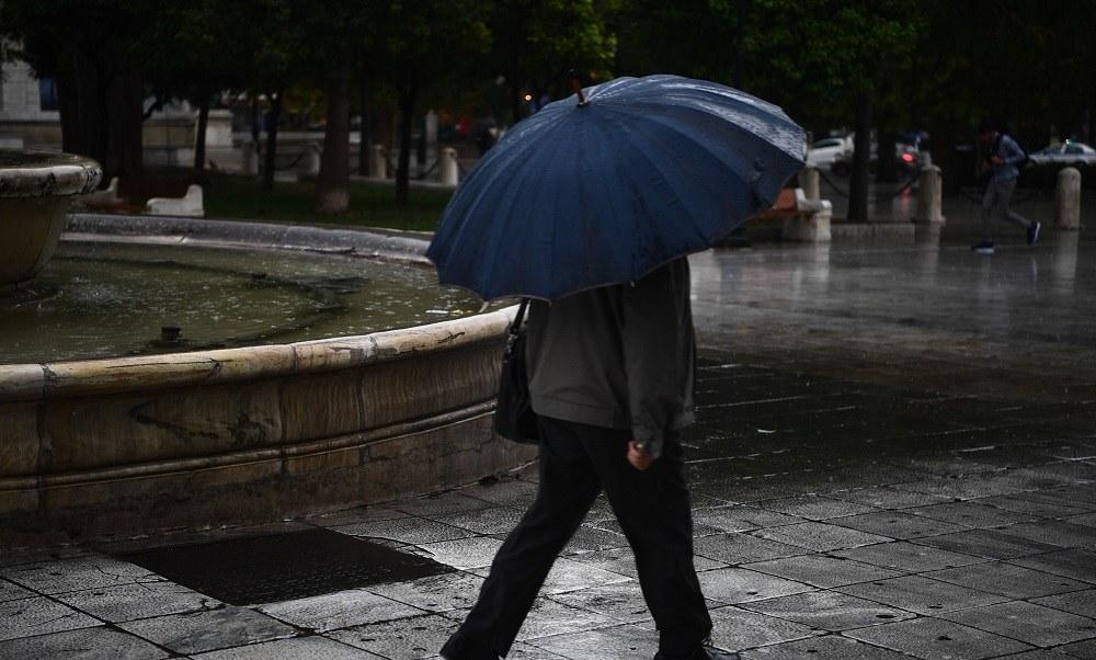 Καιρός 12/4: Bροχές, καταιγίδες, σκόνη σε όλη τη χώρα
