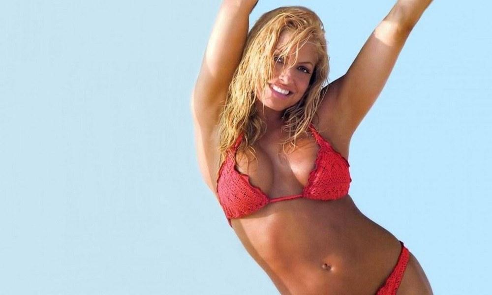 Τρις Στράτους: Ο θηλυκός… Σουγκλάκος του WWE