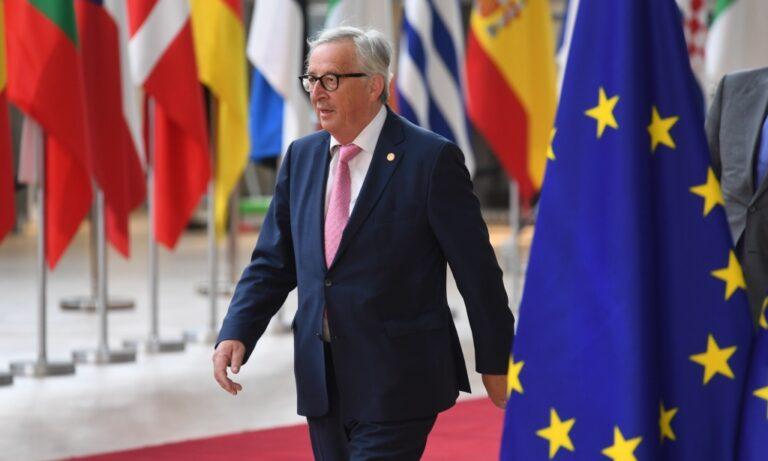 Γιούνκερ: «Η ελληνική βοήθεια δεν έχει κοστίσει ούτε ευρώ»