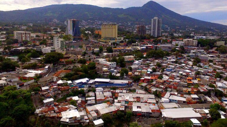 Ελ Σαλβαδόρ: Σεισμός 6,6 Ρίχτερ - Φόβοι για τσουνάμι